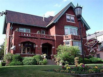 The Brumder Mansion
